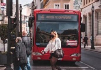 Alsa adquiere Transportes Rober, la operadora de los autobuses urbanos de Granada