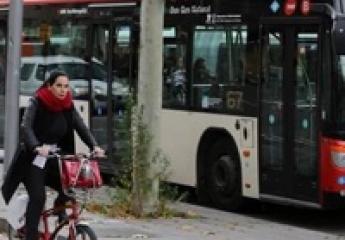 El Àrea Metropolitana de Barcelona apuesta por más carriles VAO y buses bajo demanda para reducir la contaminación