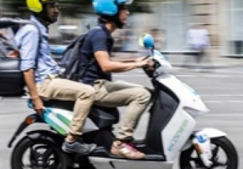 Barcelona adjudica 6.958 licencias para motos y 3.975 para bicis compartidas