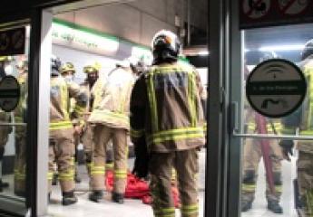 Los bomberos realizan ejercicios en la red de Metro de Sevilla