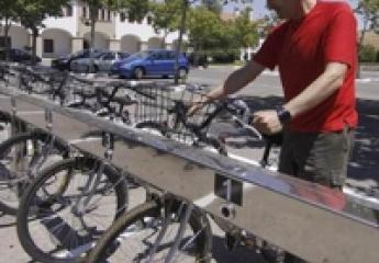 Cáceres estudia dos servicios de alquiler de bicis eléctricas