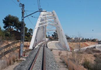 FGV revisará las condiciones técnicas de todos los puentes de la red de Metrovalencia