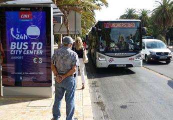 Málaga instala las primeras marquesinas digitales