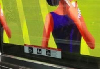 El metro de Barcelona estrena publicidad dinámica en el túnel de la L5