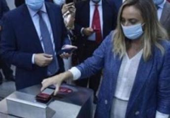 Metro de Sevilla incorpora el pago por móvil y con tarjeta bancaria