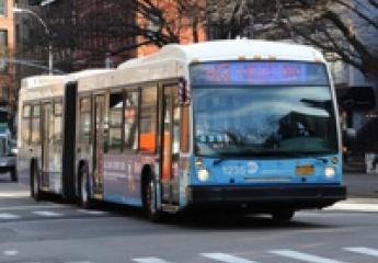 Nueva York prohíbe el coche en una arteria principal y los buses son ahora un 30% más rápidos