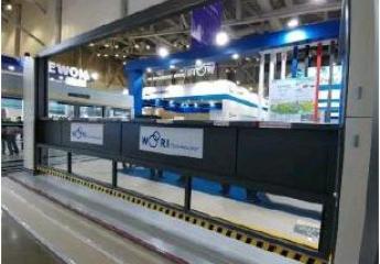 TMB probará una innovadora puerta automática vertical para incrementar la seguridad de los andenes del metro