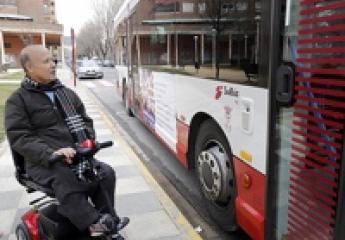 Vectalia regula en Albacete el acceso de sillas de ruedas con motor al autobús