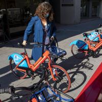 e-Bicibox, la bicicleta pública del Àrea Metropolitana de Barcelona, se hace ver con nuevas estaciones al aire libre