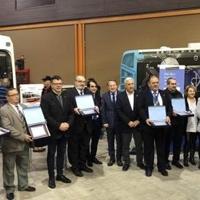 La EMT de Málaga reconoce la labor de personas y entidades que trabajan para un transporte público de excelencia