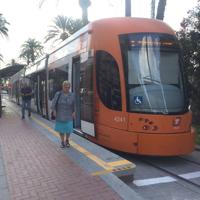 En servicio la nueva línea 5 del tranvía de Alicante, entre las paradas de Porta del Mar y Plaza La Coruña