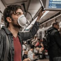 Mascarilla, distancia y ventilación, las claves de un transporte público seguro
