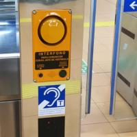 Metro de Madrid incorpora bucle magnético para personas con audífono