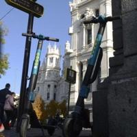 Pincha el «boom» de los patinetes eléctricos en Madrid: bajan de 10.000 a 4.500 en el último año