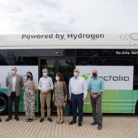 Vectalia firma alianza para promover un transporte impulsado por hidrógeno verde
