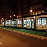 Vitoria-Gasteiz recibe el último de los siete nuevos tranvías extralargos